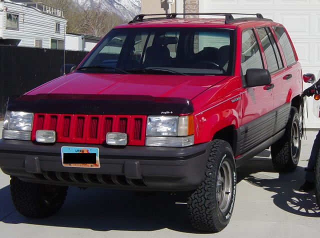 this is 1993 jeep grand cherokee with a 2 inch teraflex lift